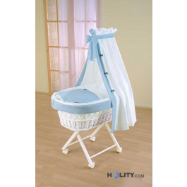 Wicker baby bassinet with veil h16624